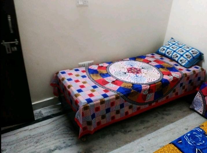 पीजी 4035422 गोविंदपुरी इन गोविंदपुरी के बेडरूम की तस्वीर