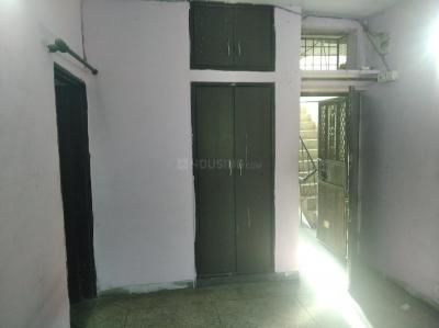 Gallery Cover Image of 650 Sq.ft 1 RK Independent House for rent in DDA GDA Flats, Abhay Khand for 8000