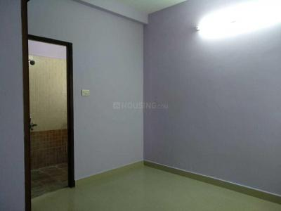 Gallery Cover Image of 800 Sq.ft 2 BHK Independent House for rent in Iyyappanthangal for 13000