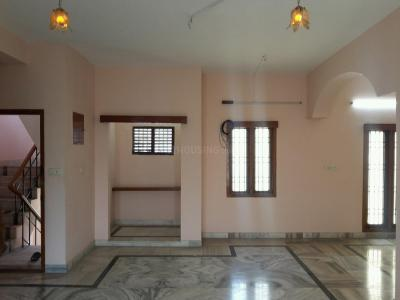 Gallery Cover Image of 1500 Sq.ft 3 BHK Independent Floor for rent in Aminjikarai for 25000