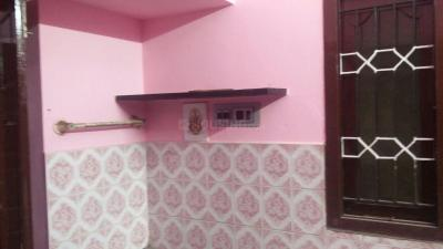 Gallery Cover Image of 900 Sq.ft 2 BHK Independent House for rent in Urapakkam for 10000