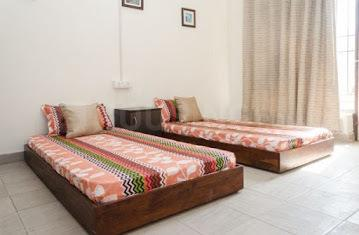Gallery Cover Image of 800 Sq.ft 2 BHK Apartment for rent in Sector 125 for 14000