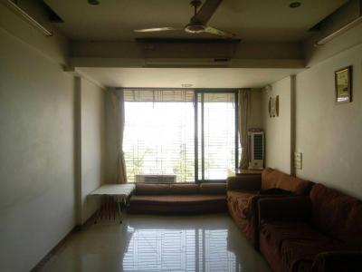 Gallery Cover Image of 655 Sq.ft 2 BHK Apartment for rent in Dadar East for 80000