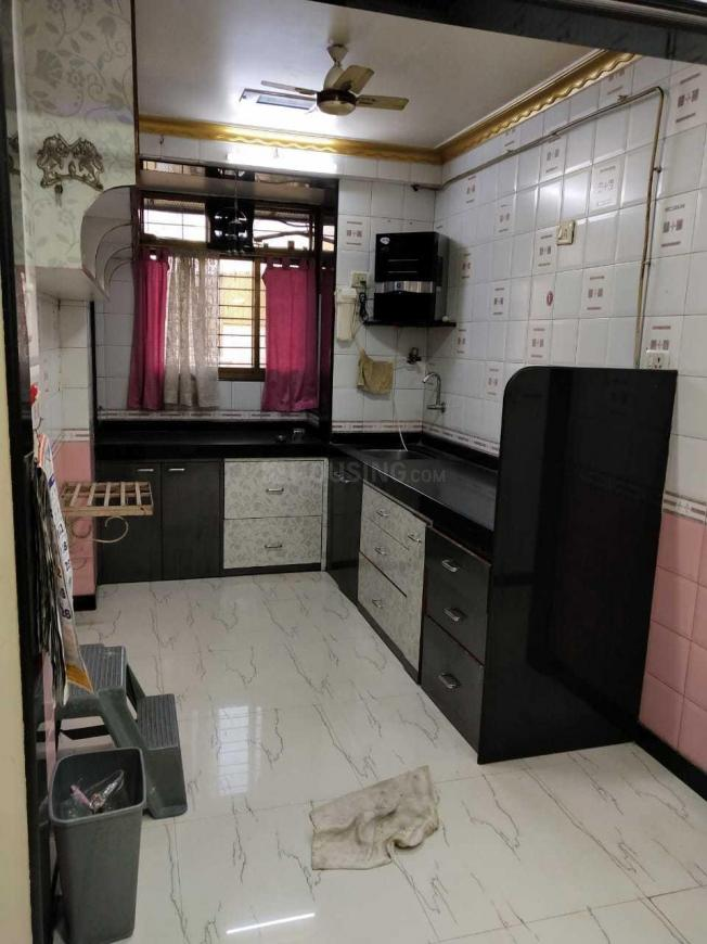 Kitchen Image of 900 Sq.ft 2 BHK Apartment for rent in Kandivali East for 32000