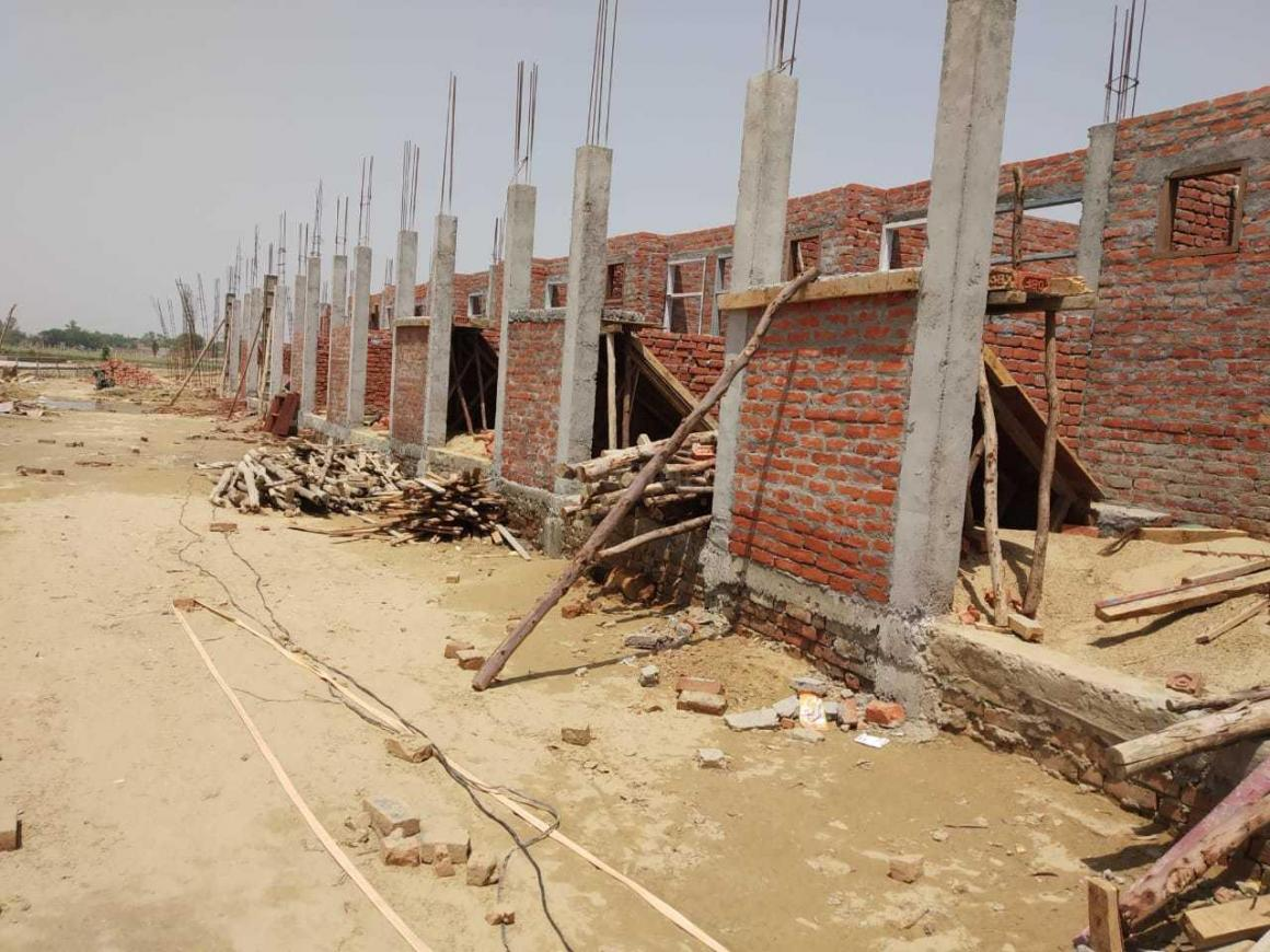 Building Image of 600 Sq.ft 1 BHK Independent House for buy in Jankipuram Extension for 1551000