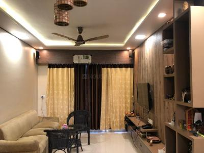 Gallery Cover Image of 800 Sq.ft 2 BHK Apartment for rent in Santacruz East for 79000