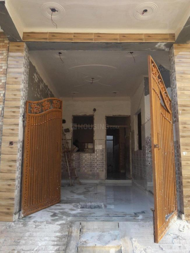 Main Entrance Image of 900 Sq.ft 2 BHK Independent House for buy in Chipiyana Buzurg for 3900000