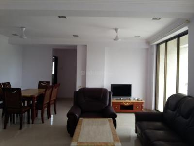 Gallery Cover Image of 1650 Sq.ft 3 BHK Apartment for buy in Byculla for 62500000