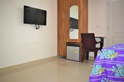 Gallery Cover Image of 350 Sq.ft 1 RK Apartment for rent in Kartik Nagar for 13000