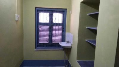 Gallery Cover Image of 700 Sq.ft 1 BHK Independent Floor for rent in Dhakuria for 11200