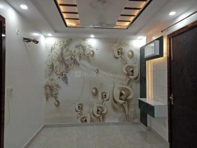 Gallery Cover Image of 700 Sq.ft 3 BHK Independent Floor for buy in Matiala for 4200000