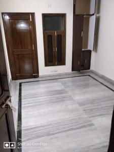 Gallery Cover Image of 1125 Sq.ft 3 BHK Independent Floor for rent in Vikaspuri for 23000