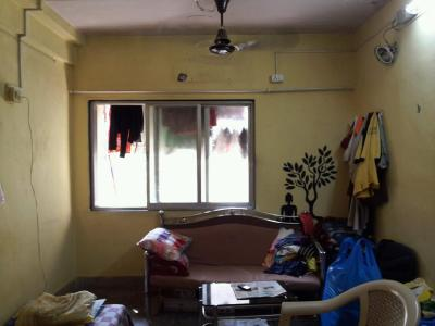 Gallery Cover Image of 350 Sq.ft 1 RK Apartment for rent in Kandivali West for 10000