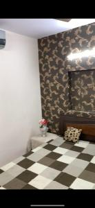 Gallery Cover Image of 1000 Sq.ft 2 BHK Apartment for rent in RWA DA Block Hari Nagar, Hari Nagar for 20000