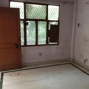 Gallery Cover Image of 1500 Sq.ft 3 BHK Apartment for rent in Nilgiri Apartments, Sector 34 for 20000