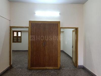 Gallery Cover Image of 800 Sq.ft 2 BHK Independent House for rent in West Mambalam for 16000