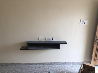 Gallery Cover Image of 800 Sq.ft 1 BHK Independent House for rent in Hafeezpet for 14000