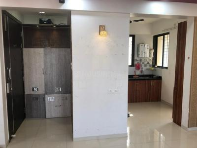 Gallery Cover Image of 1400 Sq.ft 3 BHK Apartment for rent in Hadapsar for 19000
