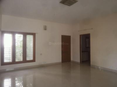 Gallery Cover Image of 1500 Sq.ft 2 BHK Apartment for rent in Kottivakkam for 17500