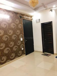 Gallery Cover Image of 900 Sq.ft 2 BHK Independent Floor for rent in Vihaan Homes, Noida Extension for 7000