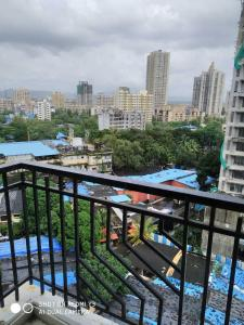 Gallery Cover Image of 650 Sq.ft 1 BHK Apartment for buy in Bhandup West for 10500000