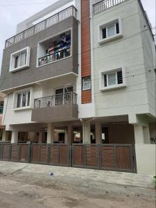 Gallery Cover Image of 1150 Sq.ft 3 BHK Apartment for rent in Valasaravakkam for 15000