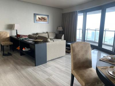 Gallery Cover Image of 2350 Sq.ft 3 BHK Apartment for rent in Indiabulls Blu Tower D, Worli for 250000
