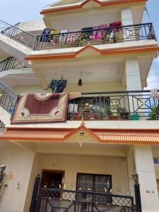 Gallery Cover Image of 4250 Sq.ft 7 BHK Independent House for buy in Whitefield for 16500000