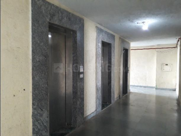 Lift Image of 325 Sq.ft 1 BHK Apartment for rent in Byculla for 16000