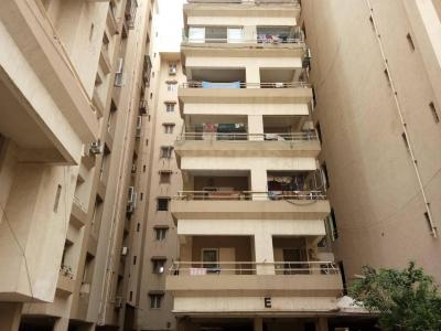 Gallery Cover Image of 2025 Sq.ft 3 BHK Apartment for rent in Thaltej for 24000