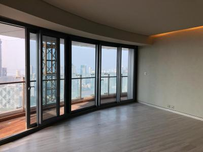 Gallery Cover Image of 3000 Sq.ft 3 BHK Apartment for rent in Lower Parel for 230000