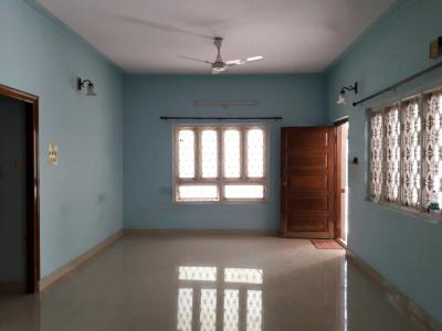 Gallery Cover Image of 2000 Sq.ft 3 BHK Apartment for rent in Basaveshwara Nagar for 32000