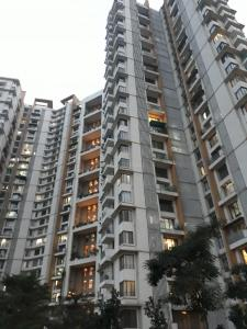 Gallery Cover Image of 1850 Sq.ft 3 BHK Apartment for buy in Thane West for 22500000