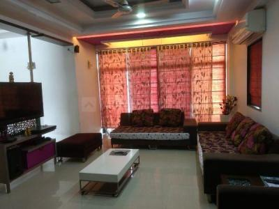Gallery Cover Image of 2000 Sq.ft 3 BHK Apartment for rent in Science City for 35000