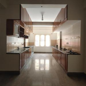 Gallery Cover Image of 1500 Sq.ft 3 BHK Apartment for rent in Ejipura for 35000