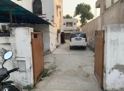 Gallery Cover Image of 3000 Sq.ft 6 BHK Villa for buy in Alambagh for 27500000