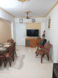 Gallery Cover Image of 500 Sq.ft 1 BHK Apartment for rent in Malad East for 20000