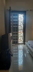 Gallery Cover Image of 1345 Sq.ft 3 BHK Apartment for rent in Sector 4 for 15000