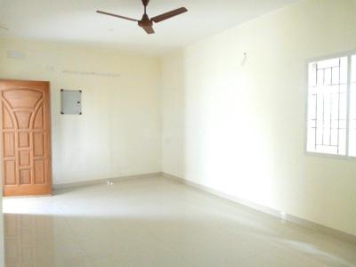 Gallery Cover Image of 950 Sq.ft 2 BHK Apartment for rent in Sunraise Apartment, Chromepet for 12000