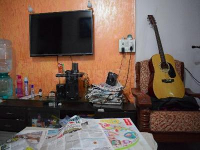Gallery Cover Image of 450 Sq.ft 1 BHK Apartment for rent in Rishikesh CHS, Malad West for 21000