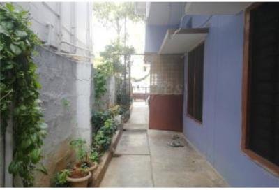 Gallery Cover Image of 800 Sq.ft 2 BHK Apartment for buy in Neredmet for 3800000