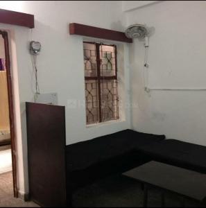 गोविंदपुरी में सिंह पीजी के बेडरूम की तस्वीर