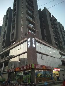 Gallery Cover Image of 130 Sq.ft 3 BHK Apartment for buy in Chandkheda for 5000000