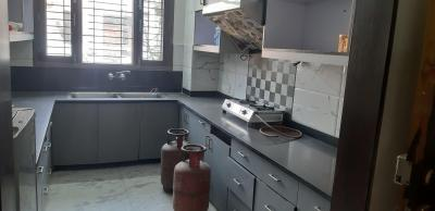 Gallery Cover Image of 3000 Sq.ft 3 BHK Independent Floor for rent in Sector 50 for 28000