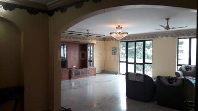 Gallery Cover Image of 2993 Sq.ft 3 BHK Apartment for rent in Adugodi for 100000