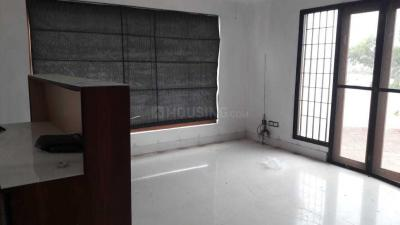 Gallery Cover Image of 1600 Sq.ft 3 BHK Apartment for rent in Adyar for 50000