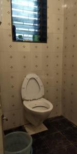 Bathroom Image of PG For Girls in Dadar West