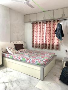 Gallery Cover Image of 1985 Sq.ft 3 BHK Independent House for rent in Camp for 35000