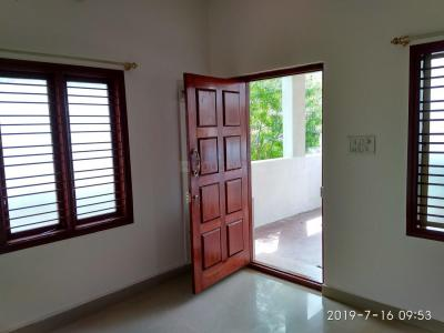 Gallery Cover Image of 750 Sq.ft 2 BHK Independent Floor for rent in Hosur for 12500