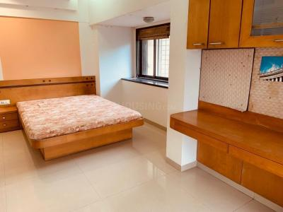 Gallery Cover Image of 2150 Sq.ft 3 BHK Apartment for rent in Juhu for 120000